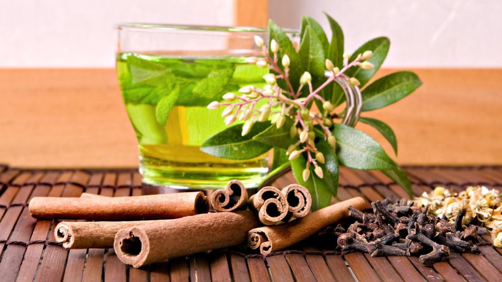 The Health Benefits of Natural Green Tea
